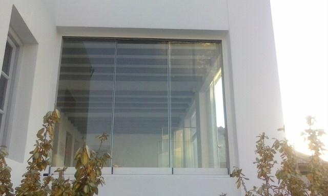 Frameless sliding panels Door Slide