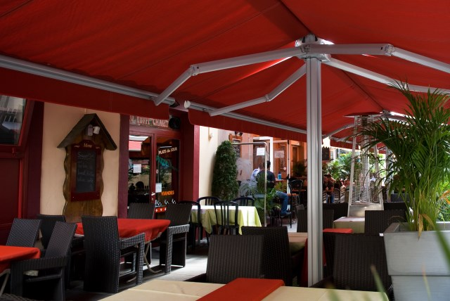 Mobile Awnings with arms Ombramobil