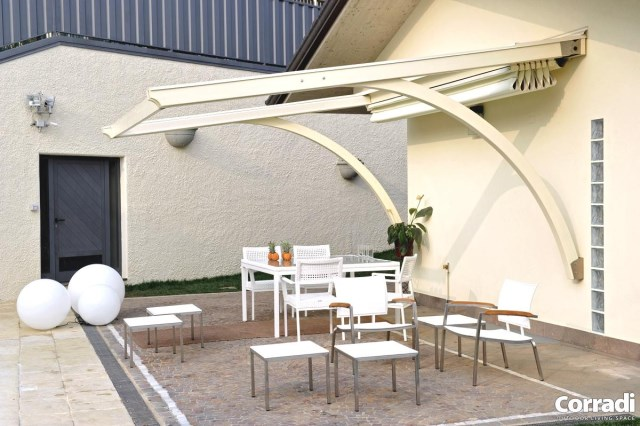 Retractable pergola Pergotenda® Arko